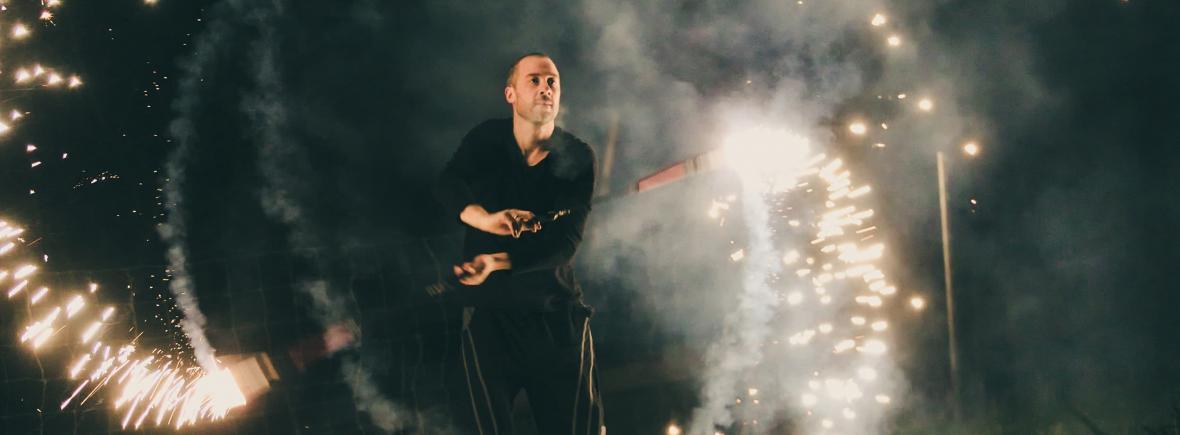 Funkenregen Feuershow